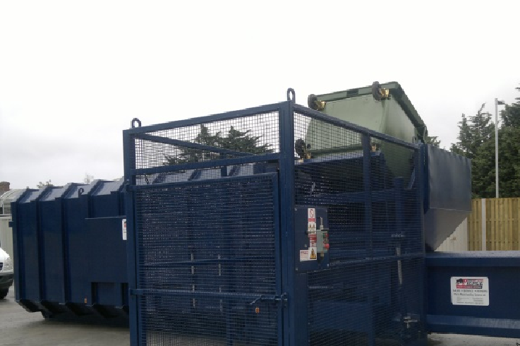 Static Waste Compactor With Trunnion Type Wheelie Bin Lift